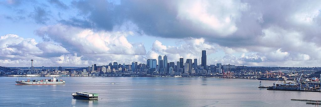 City and Sea pano